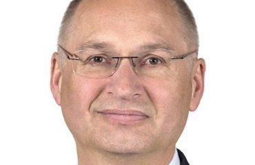 """Vodhi një sandviç në dyqan """"për eksperiment"""", deputeti slloven detyrohet të japë dorëheqjen"""