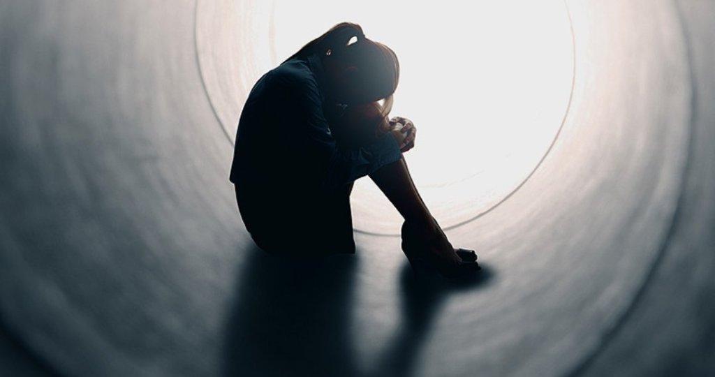 Shifra alarmuese, 70% e shqiptarëve përjetojnë depresion
