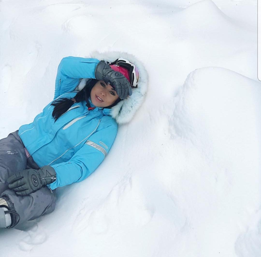 Dorinashijon dëborën