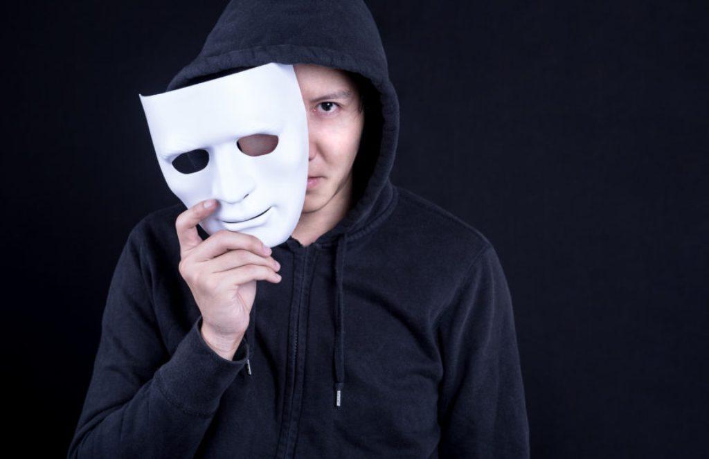 Studimi: Mosha ideale e një gënjeshtari, si dhe dy kategoritë më të sinqerta