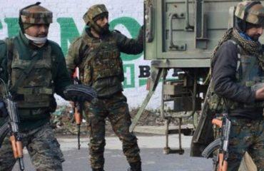 RRITEN TENSIONET/ Katër ushtarë të tjerë të vrarë në Kashmir, India dhe Pakistani thërresin ambasadorët