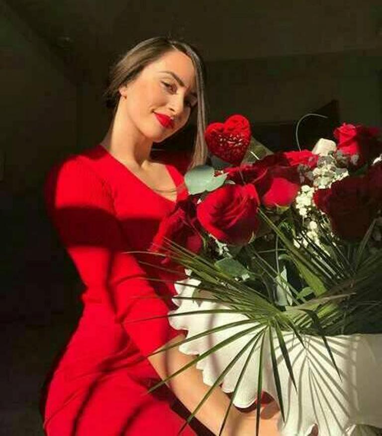 """Buqetë për Shën-Valentin, Granit Xhaka si """"kompensim"""" merr në shqip një mesazh të shkurtër dashurie"""
