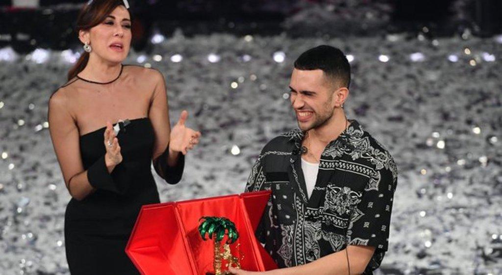 """Përgatitjet për Eurovision/Jonida Maliqi njeh rivalët, """"Paratë"""" dhe fituesin e """"San-Remos""""!"""