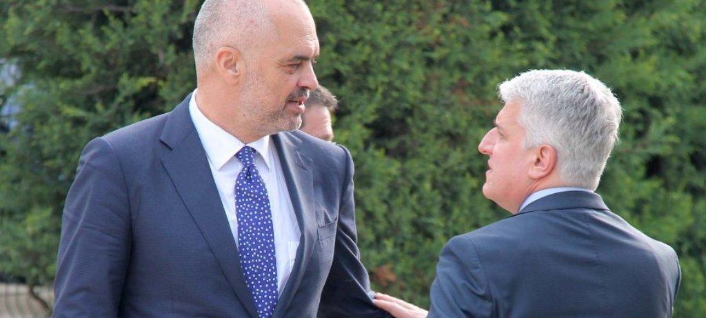 Edhe Majko kundër Ramës si Bushati? Deklarata e fortë për Kosovën: Shkëmbimi i territoreve, lodër e rrezikshme