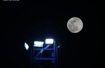 """Hëna dhuron sot spektakël në qiell, """"Super-moon"""" më i madh dhe më i ndritshëm i vitit"""