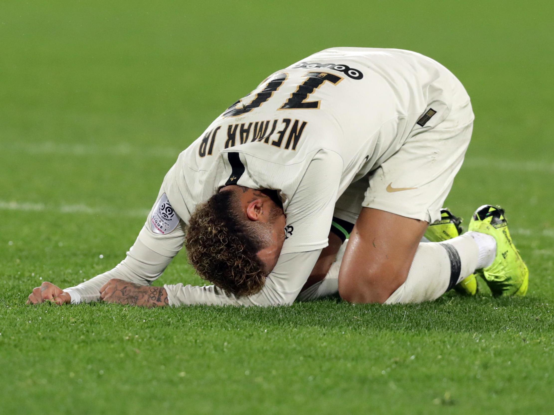 Neymar, dy ditë duke qarë pas dëmtimit