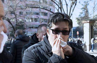 """""""Qeveria me gaz helmues luftarak kundër qytetareve, pse heshtin ambasadorët?"""" Vasili u vë në dispozicion artikullin shkencor"""