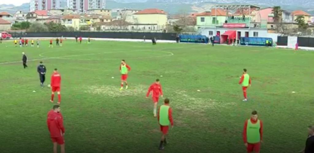 Skandal në Fushë-Krujë/ Dhunohen lojtarët e Skënderbeut brenda stadiumit, Takaj kërkon Forcat Speciale