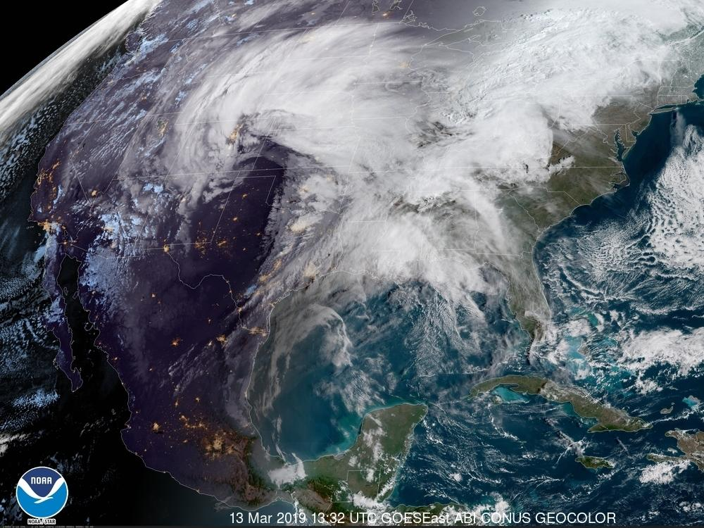 """Stuhitë """"mbërthejnë"""" Afrikën, 126 persona të vdekur dhe rreth 800 të prekur"""