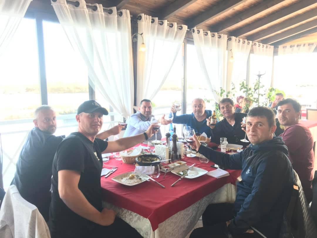 Lamtumirë Vllazni! Hasan Lika, me familjen në SHBA
