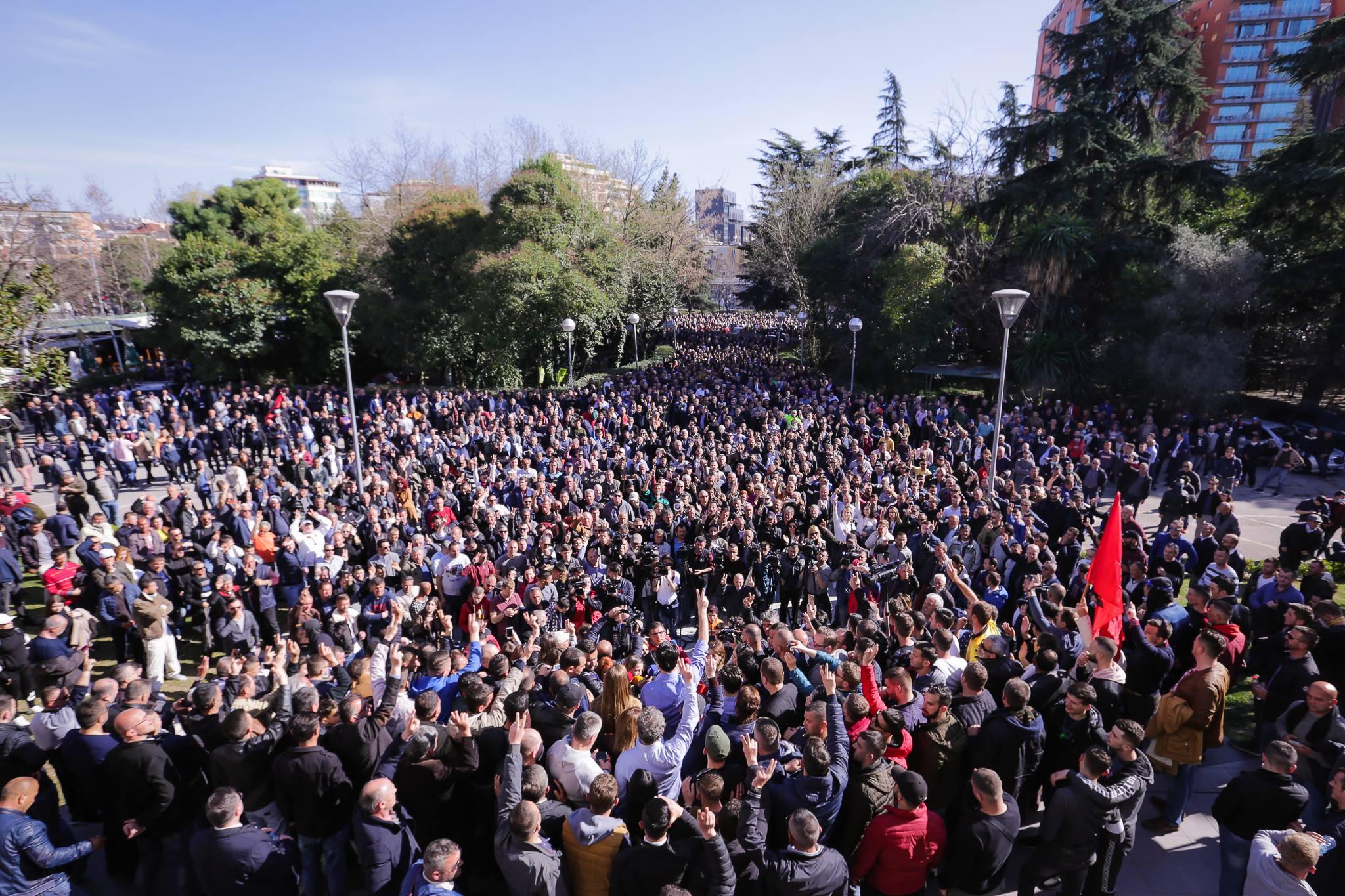 Reagimi i Bashës: Fund qeverisë së hajdutëve dhe kriminelëve