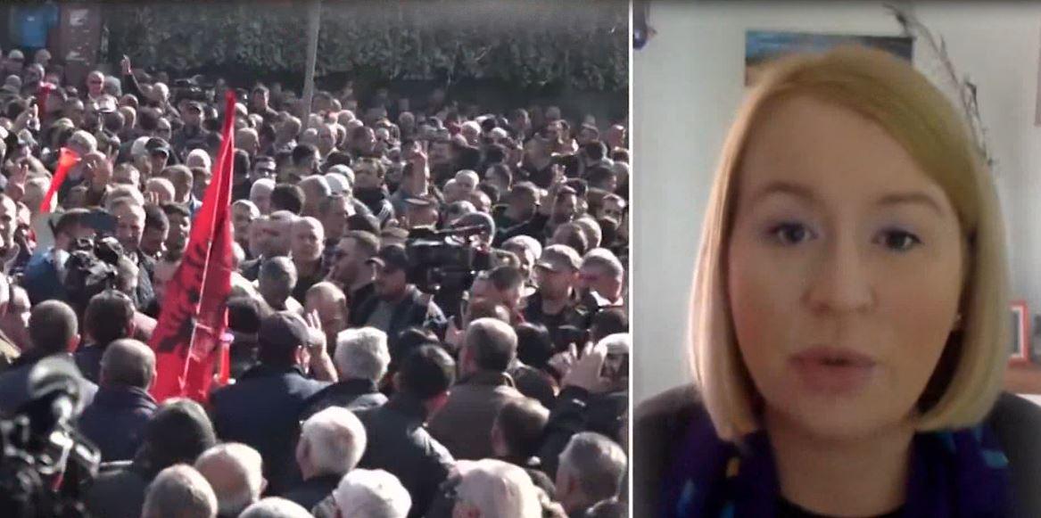 Gazetares britanike që shkroi artikuj kritikë për situatën politike, i mohohet leja e qëndrimit në Shqipëri