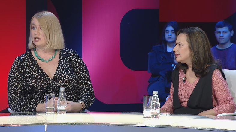 Iu anullua leja e qëndrimit, gazetarja britanike sqaron situatën: Thjesht raportova situatën politike në Shqipëri