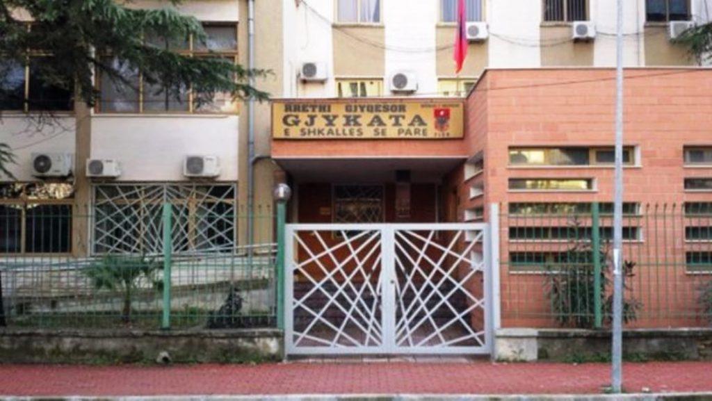 Lirimi i protestuesit Pëllumb Isufaj, Gjykata e Fierit: Nuk provohet se ishte ai autori i goditjes ndaj policit