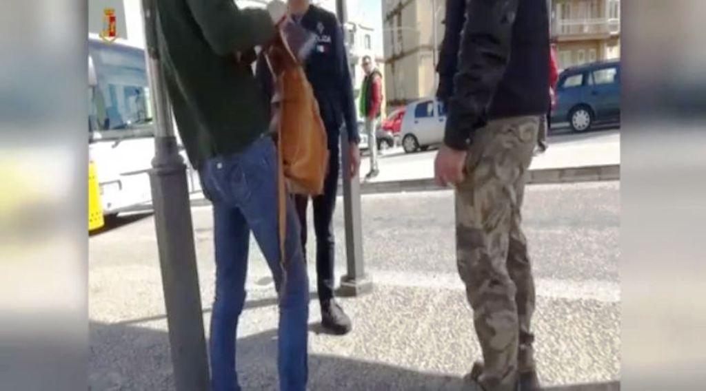 Arrestohet shqiptarja me 50 mijë euro kokainë