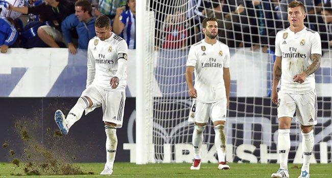 """Ajax """"shkel"""" Realin në shtëpi, kampionët në fuqi kthehen me kokën ulur"""