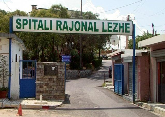 Rrahu barbarisht mjekun në Lezhë, vetëdorëzohet 24-vjeçari: Nuk po më shërbente, ishte i dehur