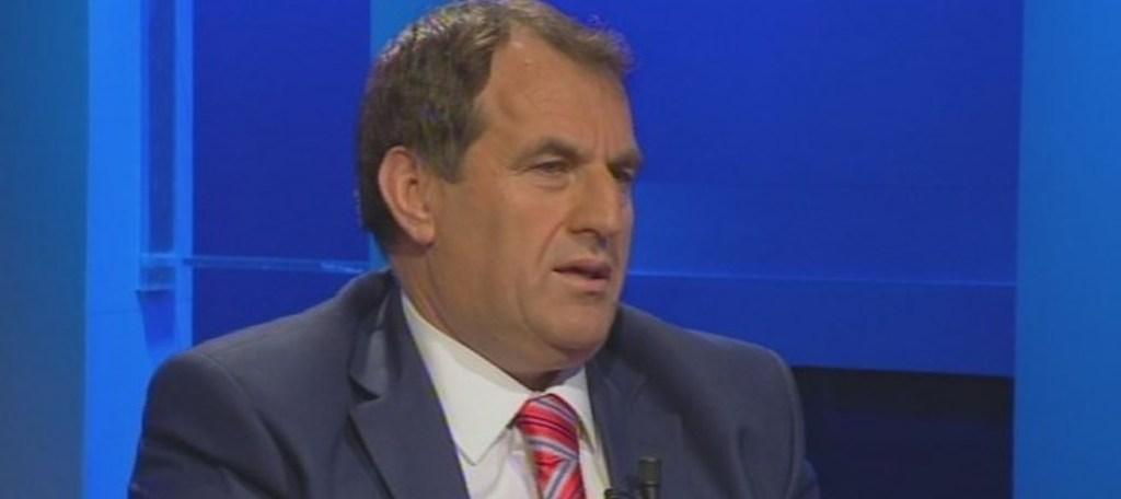 Deputeti Xhemal Qefalia: Zgjedhjet e parakohshme, precedent që mund të keqpërdoret nga çdo opozitë