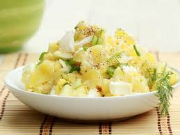 Sallatë me patate dhe turshi