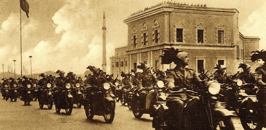 Luftoi përkrah Mujo Ulqinakut në 7 prill 1939, pse u la mënjanë figura e Stefan Maliko Gogës