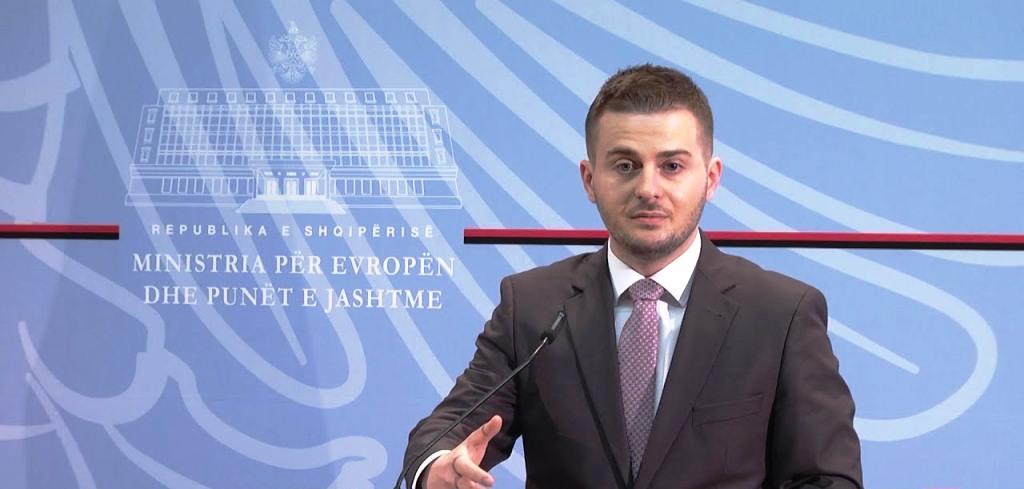 """""""Fshesa"""" tek trupat diplomatikë, Cakaj urdhëron grup pune për ndryshime në ligjin e ambasadorëve"""