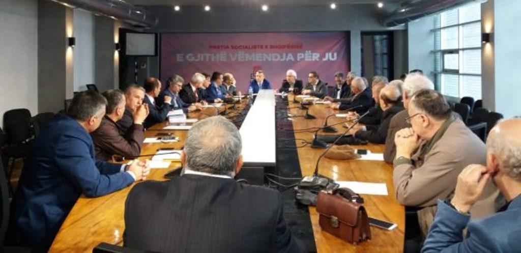 """ZGJEDHJET E 30 QERSHORIT/ PS firmos me aleatët, koalicioni me 24 parti flet për """"dhunën që nuk do tolerohet"""""""
