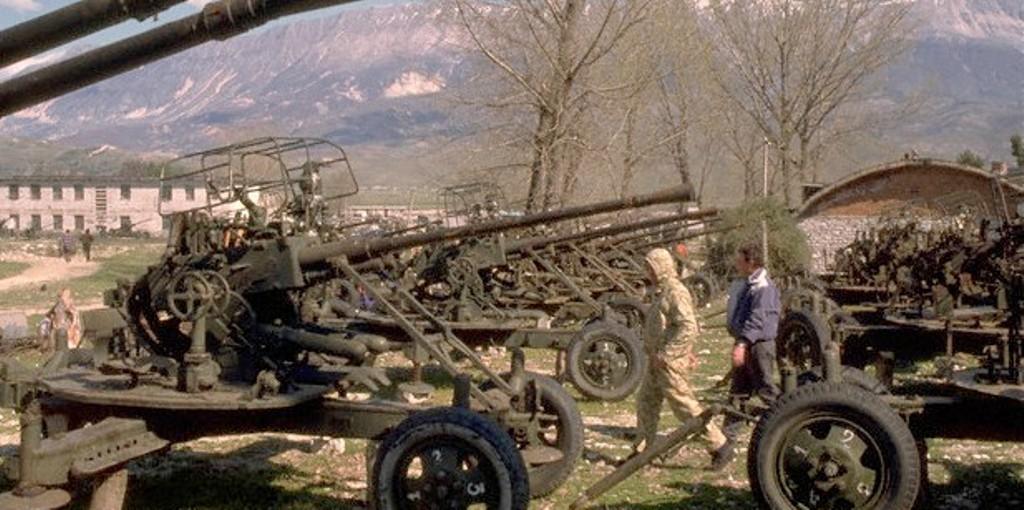 DOSJA '97/ Sulmi ndaj Përmetit, urrejtja ndaj Jugut që nisi si aventurë e përfundoi si masakër