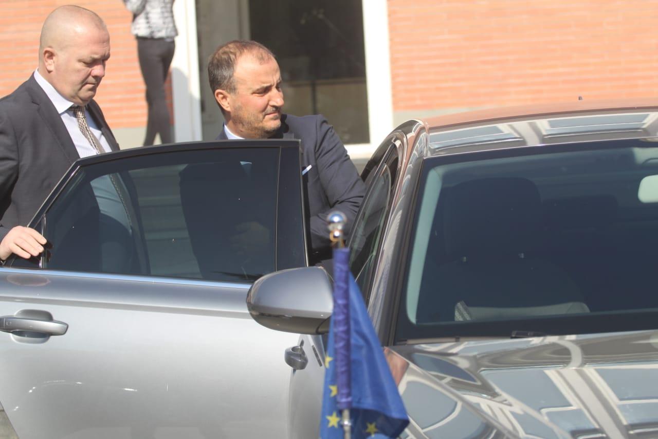 """Kriza politike dhe marrëveshja e opozitës, ambasadori Soreca pret në zyrë partitë e vogla """"anti-Rama"""""""