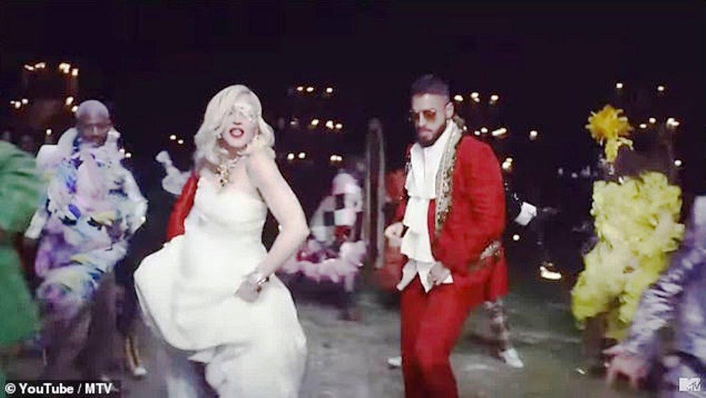 Madonna, 60 vjeç, transformohet në një nuse kaubojsh dhe po i çmend meshkujt