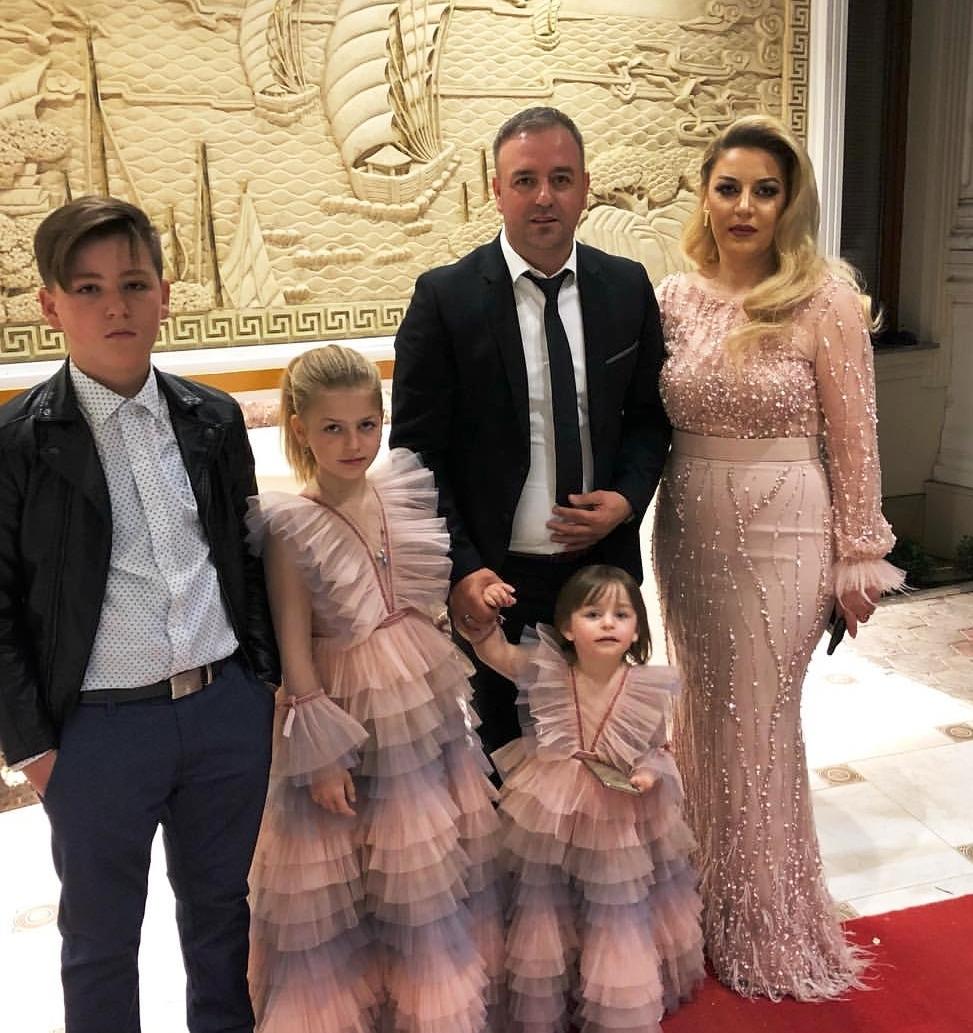Familja e bukur e Nexhatit