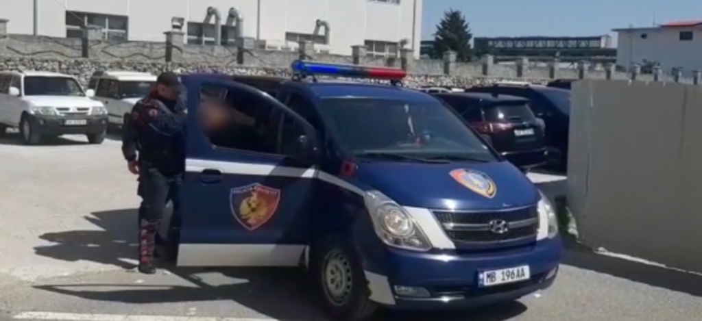 Ndihmonin klandestinët për të kaluar kufirin, arrestohen 7 shqiptarët dhe shefi turk