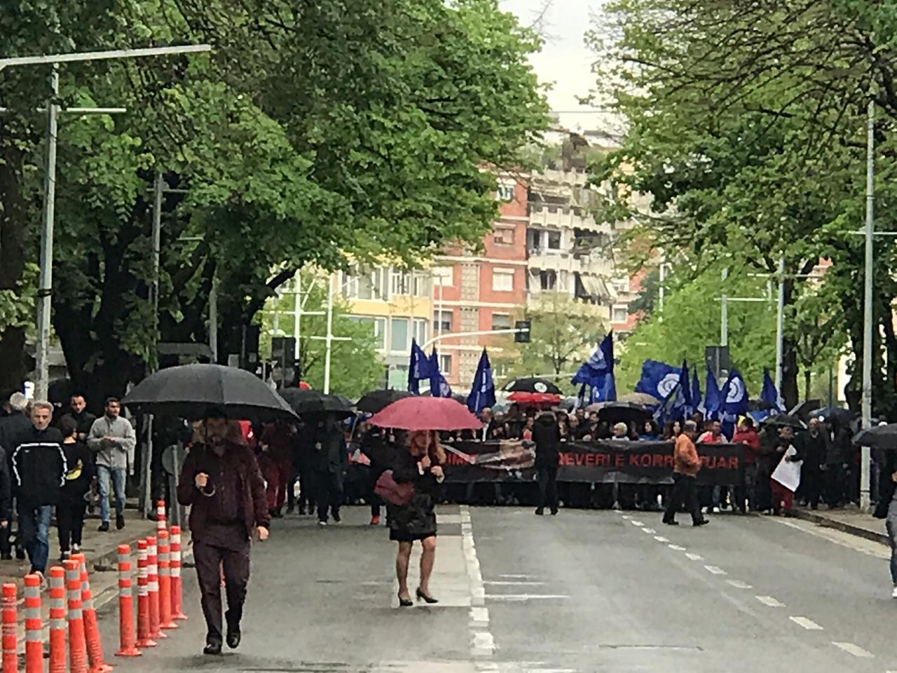"""Protesta e sotme e opozitës, si ndryshon """"skenari"""" i selisë blu"""