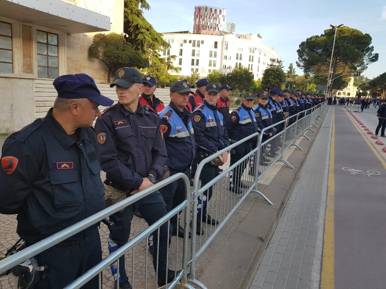 Protesta e djeshme e opozitës, policia ndaloi 7 persona