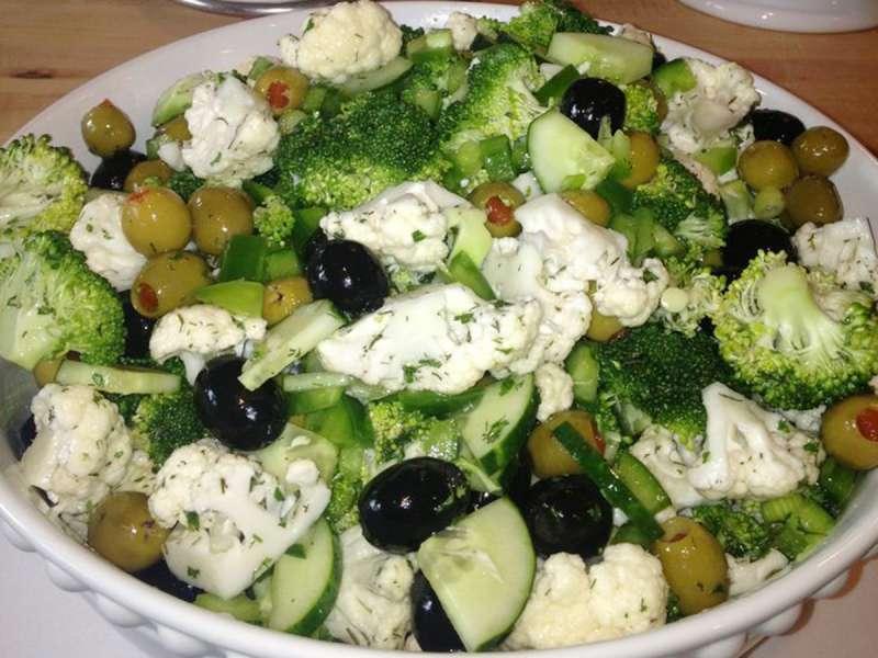 RECETA GATIMI/ Sallatë me brokoli e lulelakër