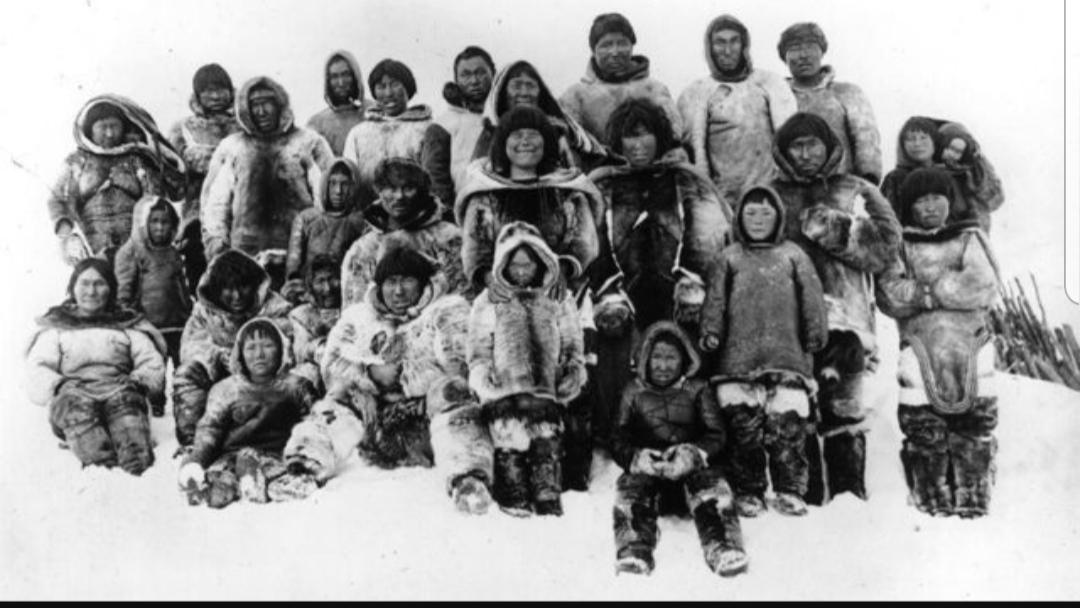 Si jetonin eskimezët 100 vjet më parë