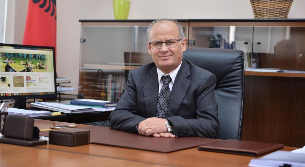 Meta sfidon qeverinë: Rikthen në detyrë rektorin e UT, Mynyr Koni