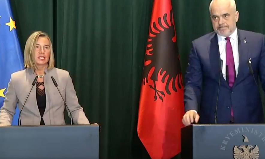 """Rama përkrah Mogherinit në konferencë, """"ndizet"""" drita jeshile për integrimin e vendit"""