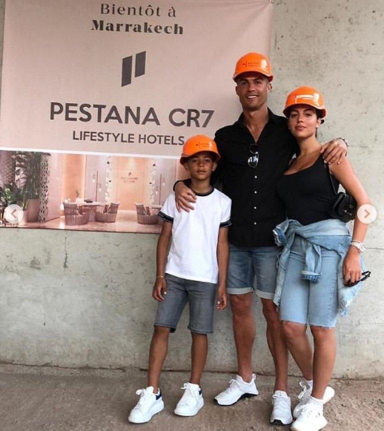 VIZITA SURPRIZË/ Ronaldo në Marok me familjen, në hotelin me markën e tij