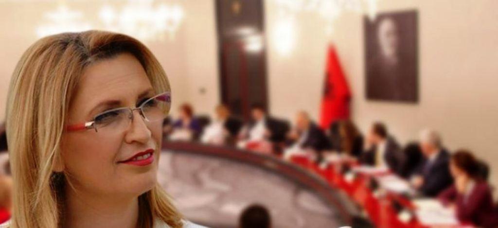 Qeveria ndal prokurimet publike, kryebashkiakja Ademi: Pengohen investimet për qytetarët