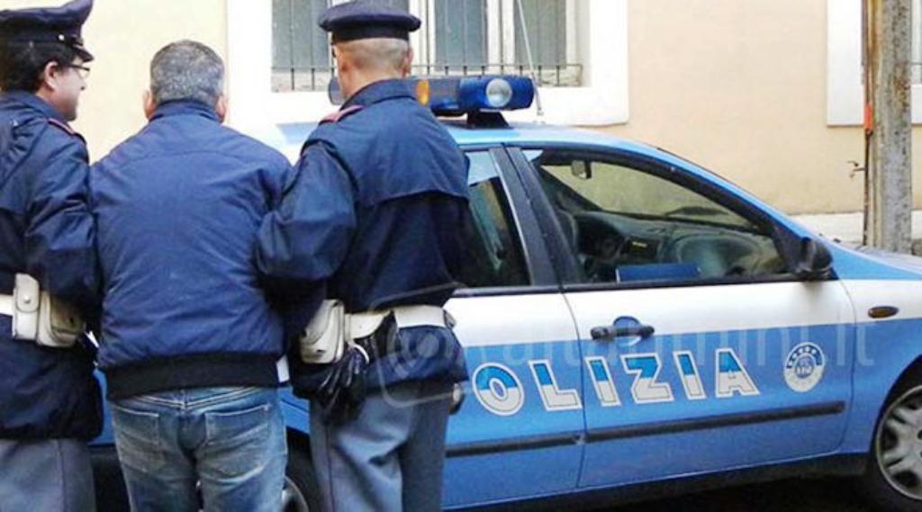 Shqiptari kapet me drogë, e kishte fshehur brenda letrës higjienike