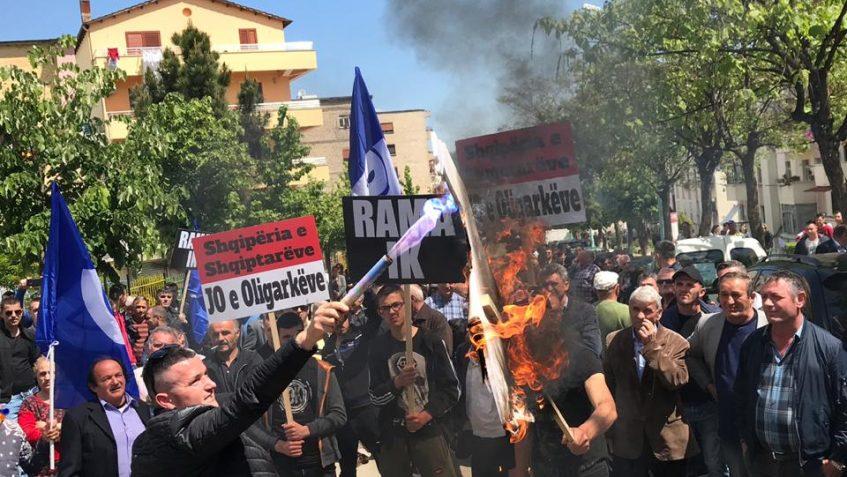 Mirditorët në protestë: Rama të shporret nga karrigia e kryeministrit!