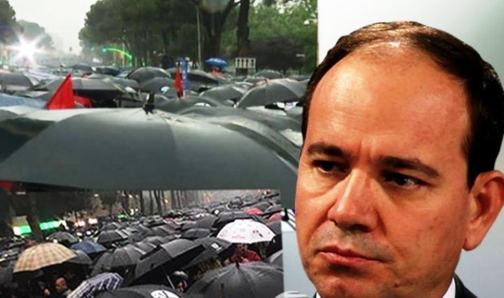Ish-presidenti Nishani: As prangat, as shiu dhe asgjë s'i ndal shqiptarët në kërkim të lirive të tyre