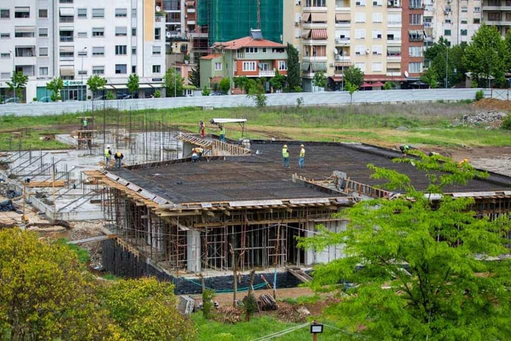 """Dy mini-stadiume rreth """"shtëpisë"""" së saj të re, por FSHF injoron emrin legjendar """"Dinamo"""""""