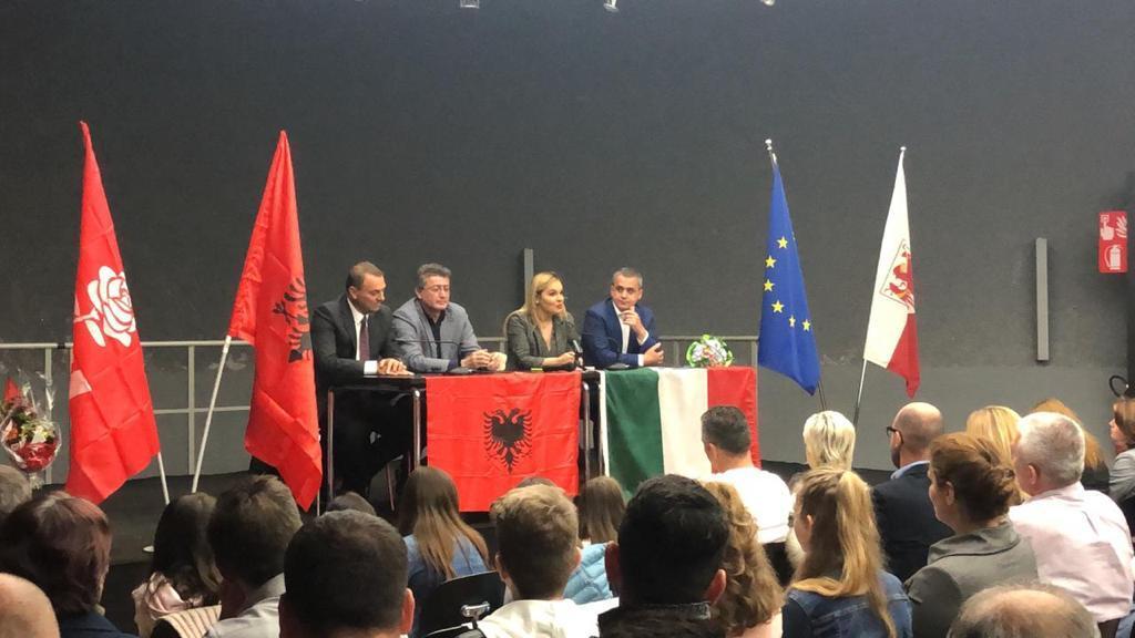 Kryemadhi takon emigrantët shqiptar në Itali: Në Shqipëri nuk do të ngelet më njeri...