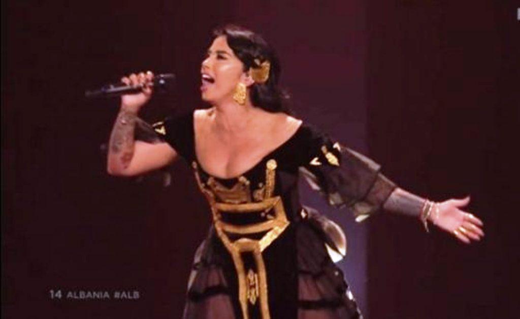 Pas Eurovizionit, Jonida Maliqi surprizohet edhe në shtëpi