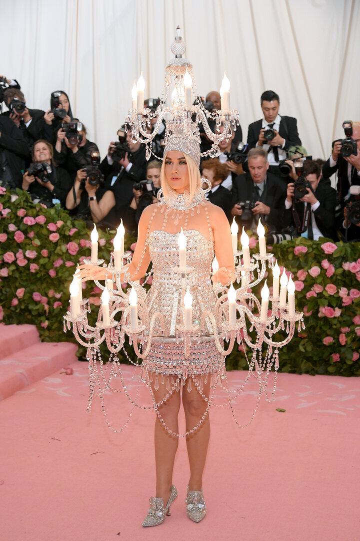 Katy Perry, interpretim elektrizues në Met Gala 2019