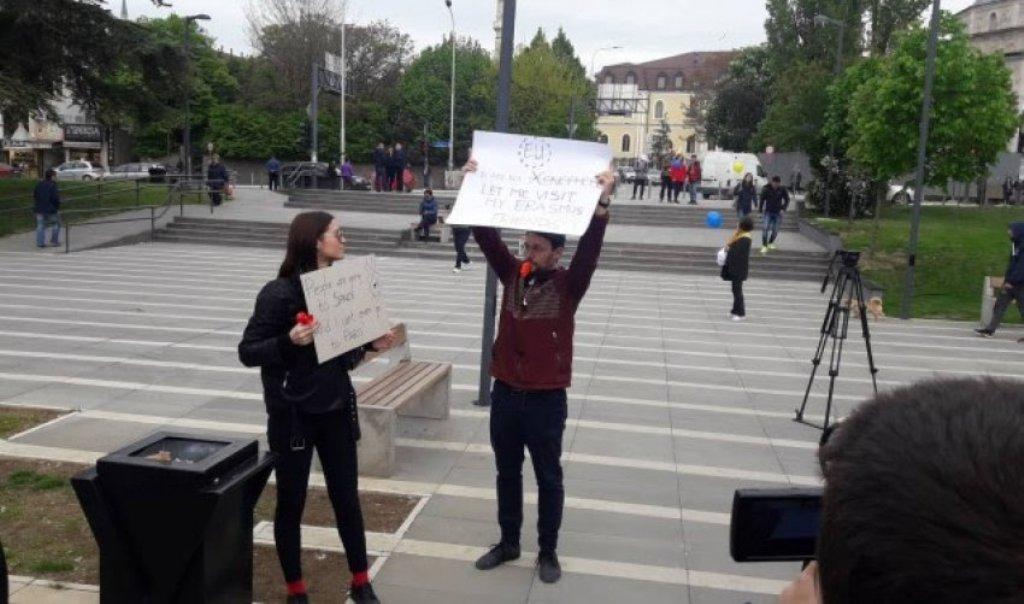 Të rinjtë kosovarë kundër festimit të Ditës së Evropë