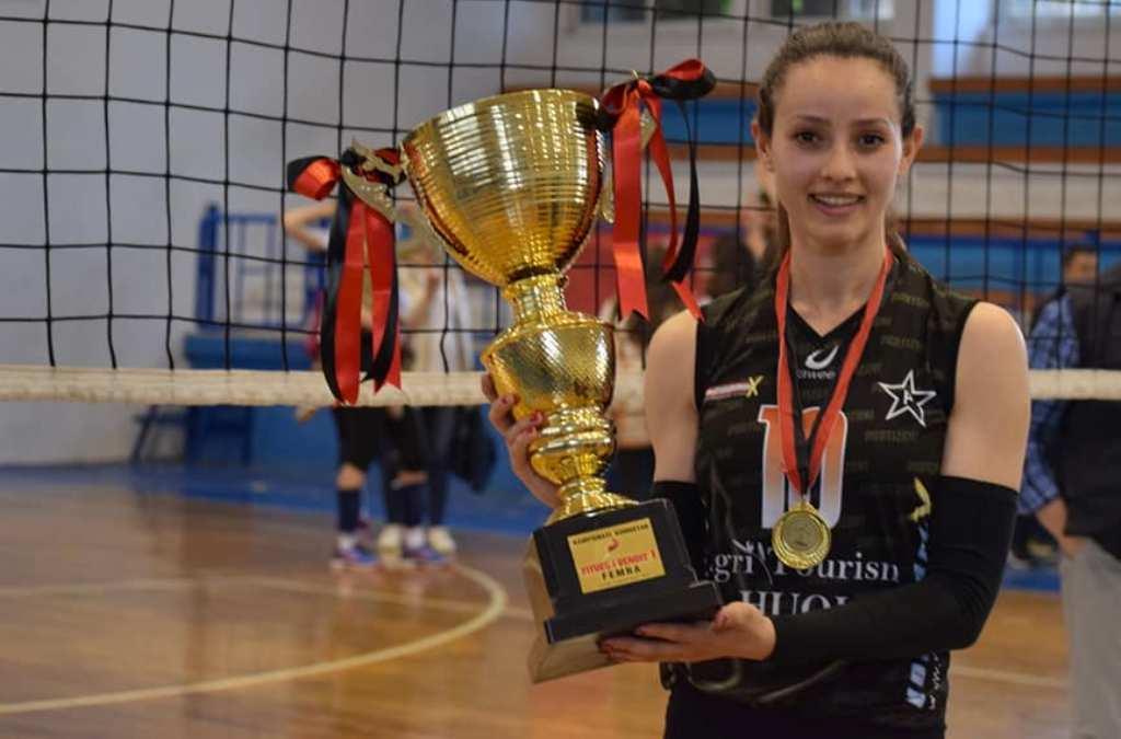 """""""Trofeu shkoi atje ku duhej!"""", volejbollistet e Partizanit shpallen kampione të Shqipërisë"""
