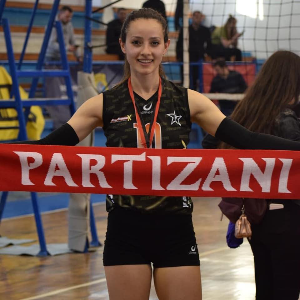 Në pritje të ekipit të Skënder Gegës/ Sukseset e Partizanit, festa e përbashkët