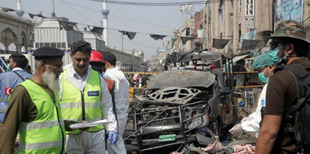 PAKISTAN/ Përgjaket Ramazani, të paktën 8 të vrarë dhe 25 të plagosur nga sulmi me autobombë